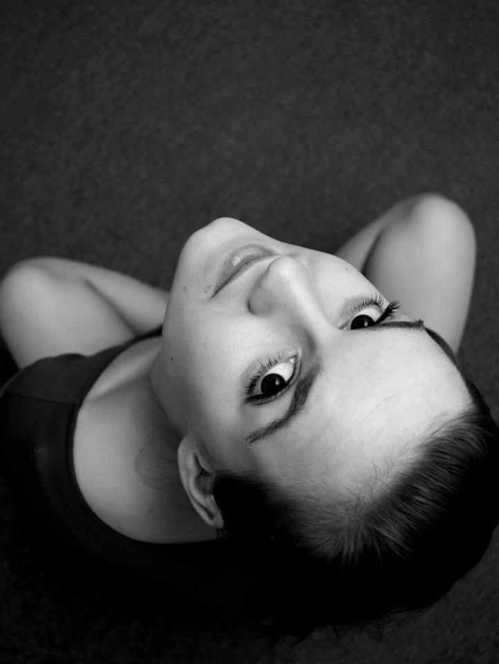černobílý portrét klientky Lenky